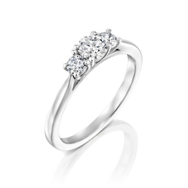 טבעת אירוסין בר משובצת שלושה יהלומים - זהב לבן