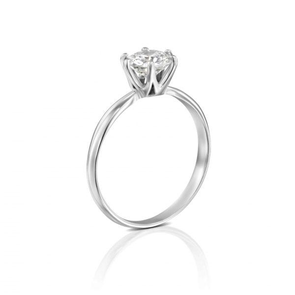 טבעת אירוסין קלייר זהב לבן עומדת