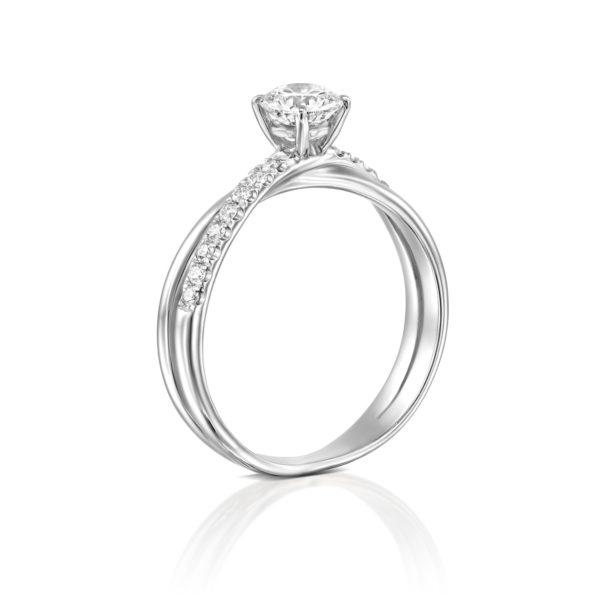 טבעת אירוסין מוניק טוויסט זהב לבן - עומדת