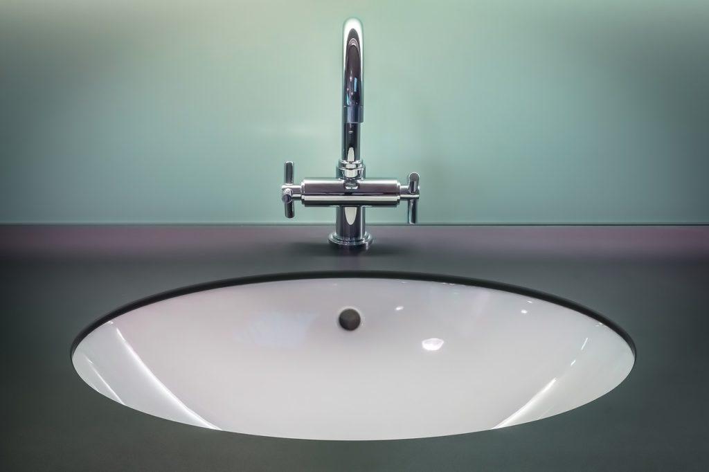 כיור אמבטיה