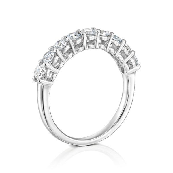 טבעת שורת יהלומים 0.85 קראט - זהב לבן - עומדת