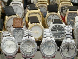 מבחר של שעונים