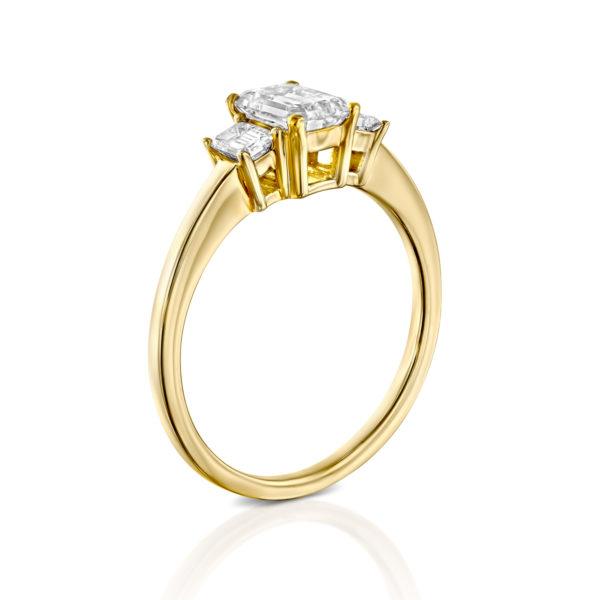 טבעת יהלומים אמרלד 1.5 קראט - זהב צהוב - 2